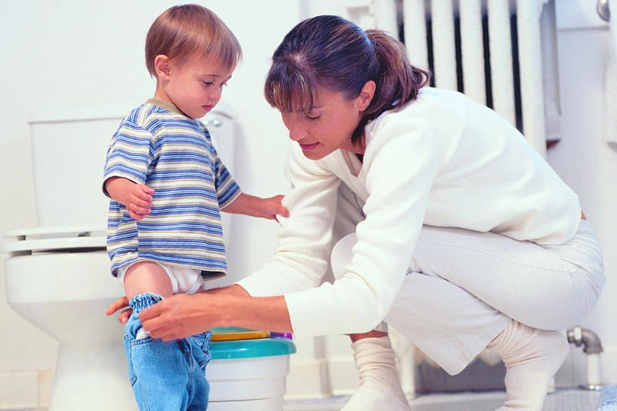 Encopresi nel bambino come gestirla mamma sto bene - Andare spesso in bagno a defecare ...