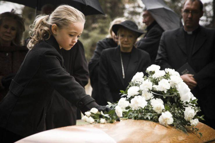 morte nonni affrontata da bambini