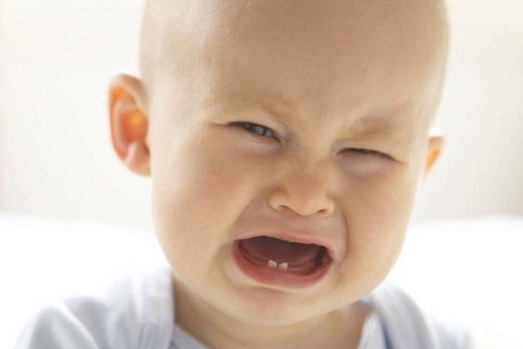 bimbo che piange