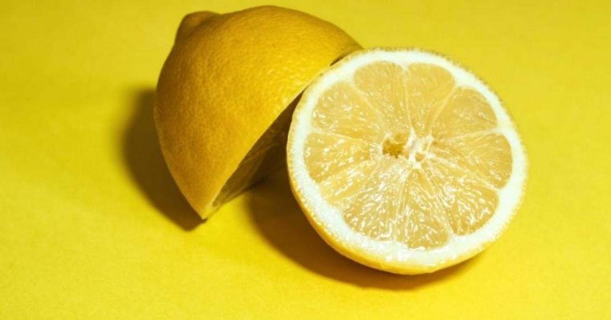 Limone per pulire Mammastobene.com