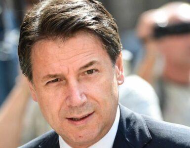 Giuseppe Conte Mammastobene.com