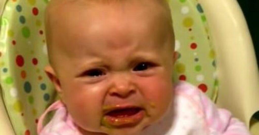 Bambina mangia i piselli Mammastobene.com
