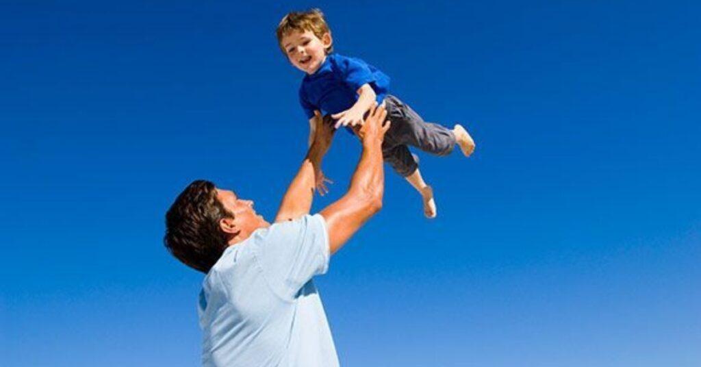 Lanciare in aria bambino Mammastobene.com
