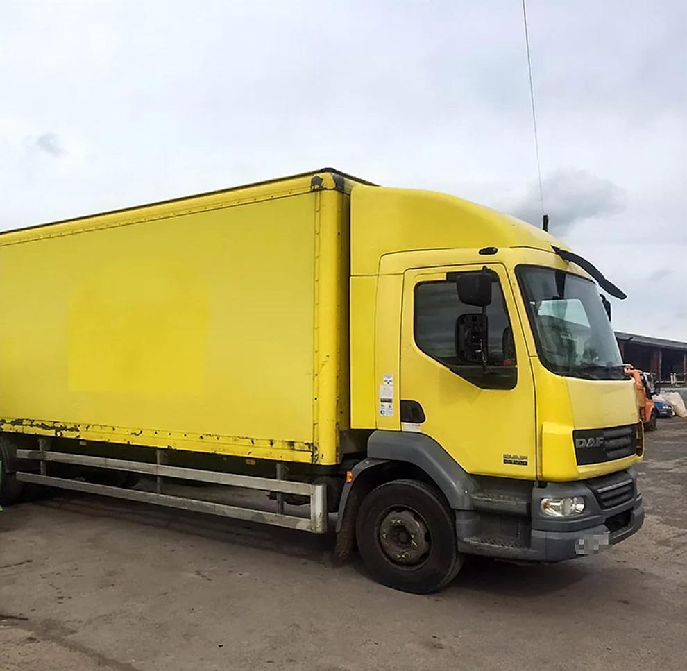 Il vecchio camion giallo