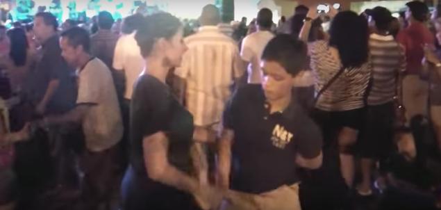 coppia sulla pista da ballo