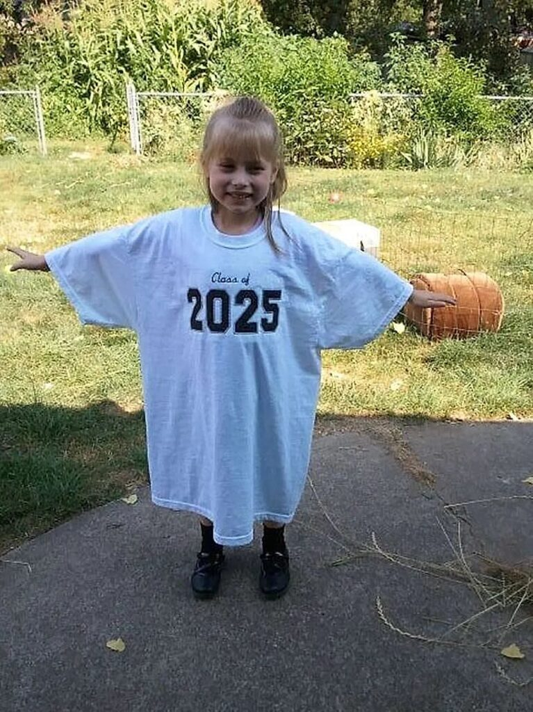 Magliette oversize per fotografare la crescita dei bambini