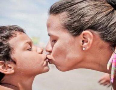 baciare tuo figlio sulla bocca