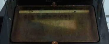pulire il vetro del forno
