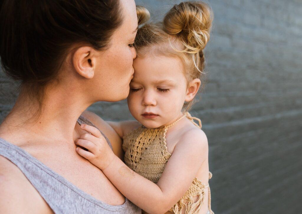 Come superare la solitudine della maternità
