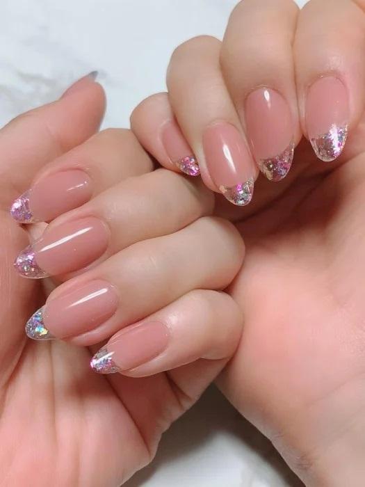 Unghie effetto cristallo naturale rosa intenso