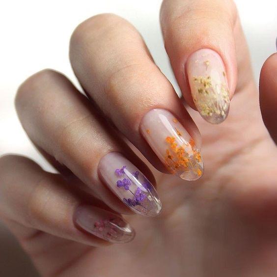 Unghie effetto cristallo fiori colorati