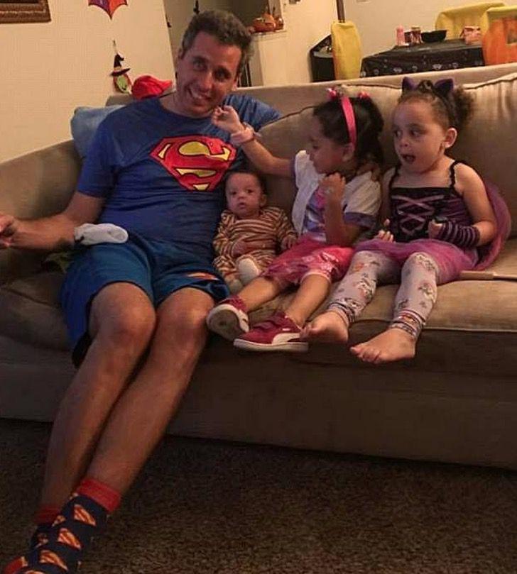 Sperminator con alcuni dei suoi figli