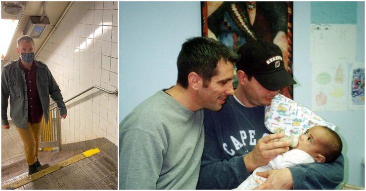 Uomo trova una bambola sul pavimento della metro