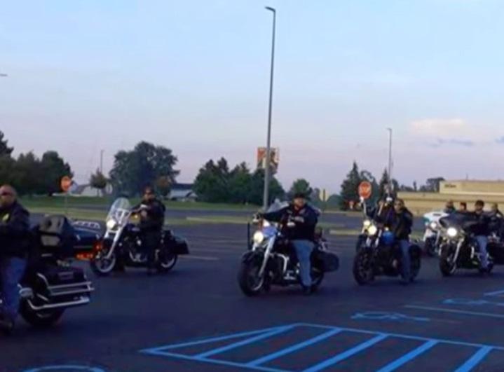 raduno di motociclisti