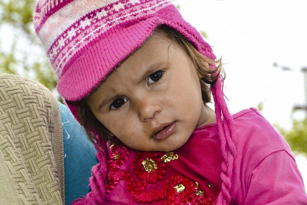 Il video del papà che ferma i capricci delle bambine