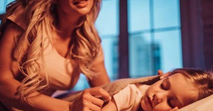 7 cose che una madre fa di nascosto per i suoi figli
