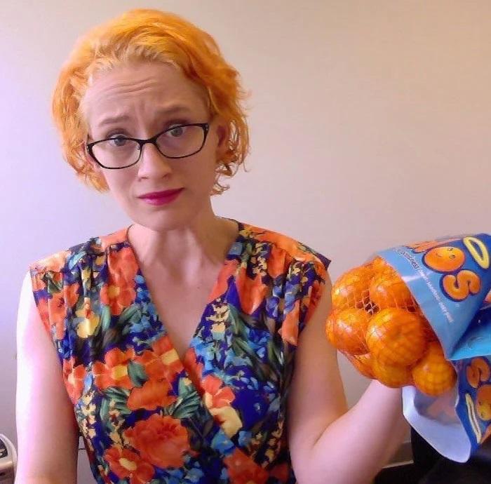 testa si trasforma in un'arancia