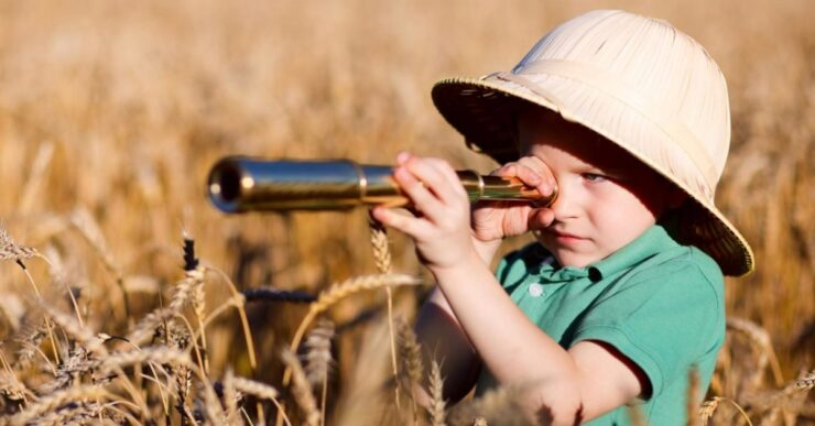 Bambino esploratore
