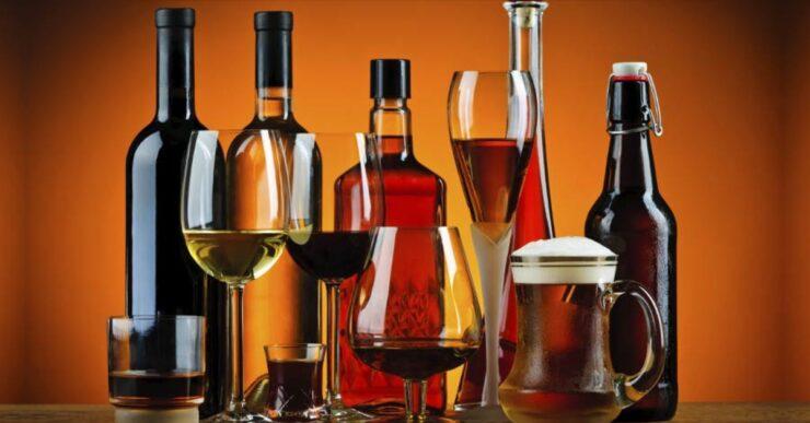 Tipi di bicchieri per alcolici e vino