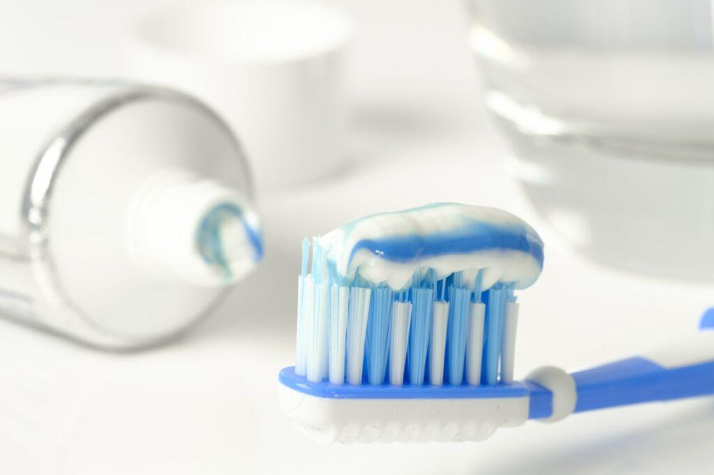 Come pulire l'argento con il dentifricio