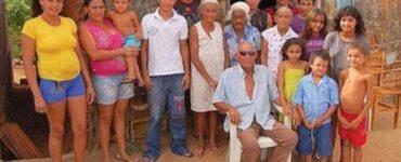 Uomo di 90 anni dice di avere 50 figli